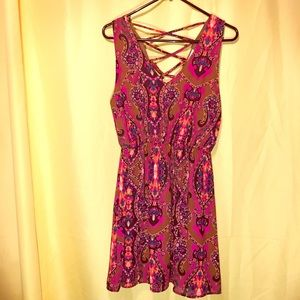 NWT Gorgeous Patterned Dress